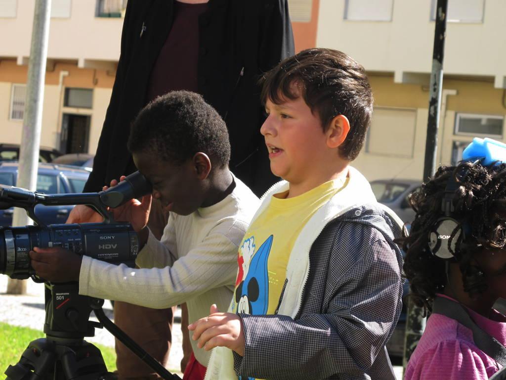 CINEMA, CEM ANOS DE JUVENTUDE – O Plano Sequência – Escola E.B.1/JI Vale da Amoreira – Moita – rodagem filme-ensaio @ Rua Maria Lamas