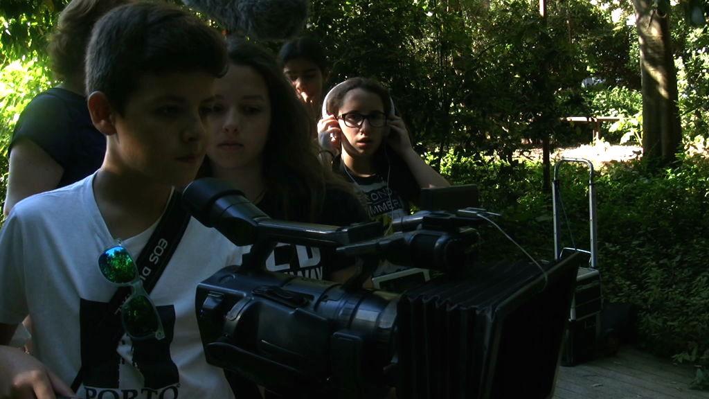 O MUNDO À NOSSA VOLTA - Cinema, cem anos de juventude - Escola E.B.2.3. Marquesa de Alorna - Filmagem filme-ensaio @ Jardins da Fundação C.Gulbenkian