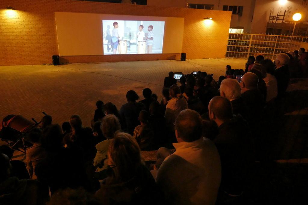 O MUNDO À NOSSA VOLTA - Cinema, cem anos de juventude - CEA Vale da Amoreira @ CEA - Centro de Experimentação Artística