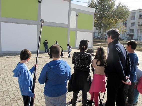 O MUNDO À NOSSA VOLTA - Cinema cem anos de juventude - Filmagem Exercícios @ E.B.1/JI Vale da Amoreira