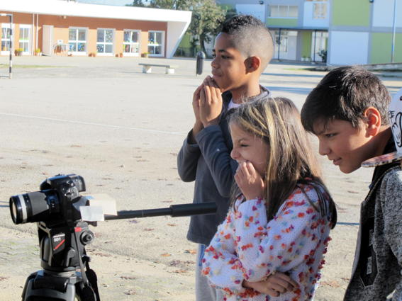 O MUNDO À NOSSA VOLTA – Cinema cem anos de juventude – Filmagem Exercícios @ E.B.1/JI Vale da Amoreira