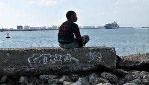 No País do Cinema - Lusco Fusco: Clandestino, de Abi Feijó e Le Havre, de Aki Kaurismäki @ Polo Cultural Gaivotas Boavista