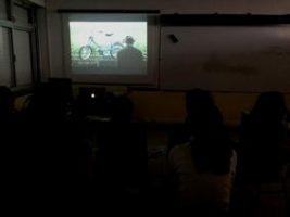 O MUNDO À NOSSA VOLTA / Cinema, cem anos de juventude @ Escola Básica e Secundária Dr. João Brito Camacho - Almodôvar