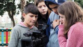 O MUNDO À NOSSA VOLTA / Cinema, cem anos de juventude - Filmagens exercícios