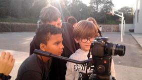 O MUNDO À NOSSA VOLTA / Cinema, cem anos de juventude - Filmagens exercícios @ Escola E.B.2.3 Marquesa de Alorna